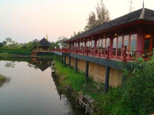 restaurant-pristine-lotus-resort-inle-lake