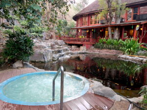 jacuzzi-pristine-lotus-resort-inle-lake