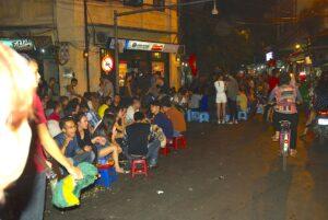 night-life-hanoi