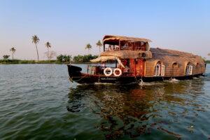 vassbatar-backwaters-kerala