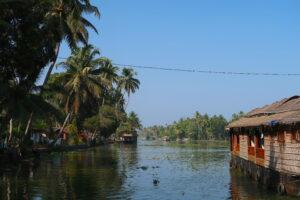 vassbat-backwaters-kerala